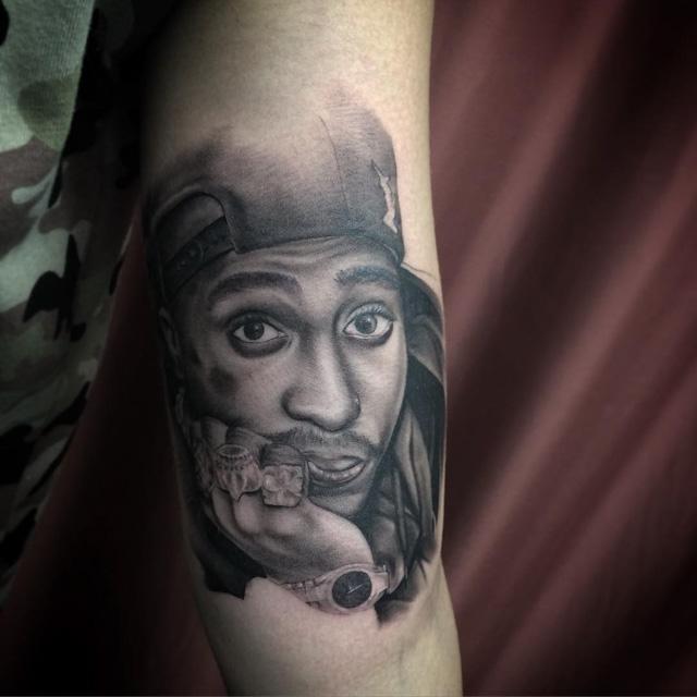 Tupac Portrait Tattoo by quincymiketattoo 2