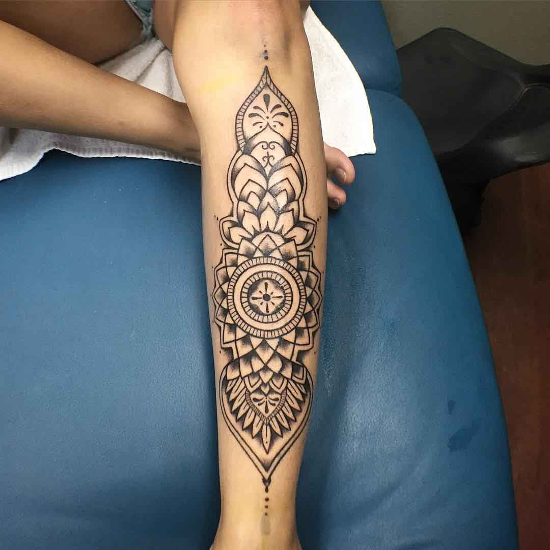 Mandala Dotwork Tattoo on Shin by izzeyjtattoos