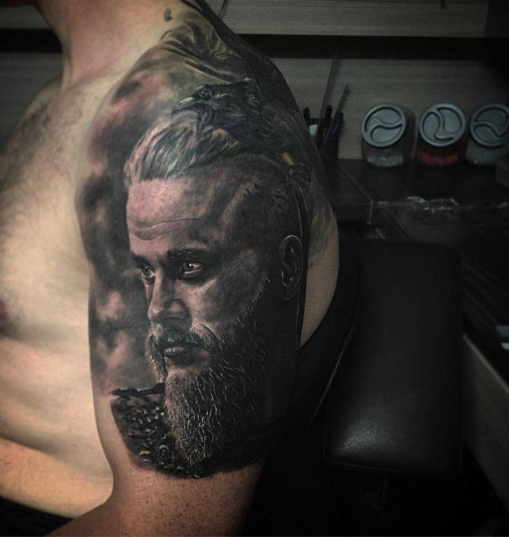 Ragnar lodbrok tattoo on shoulder best tattoo ideas gallery for Ragnar head tattoo stencil