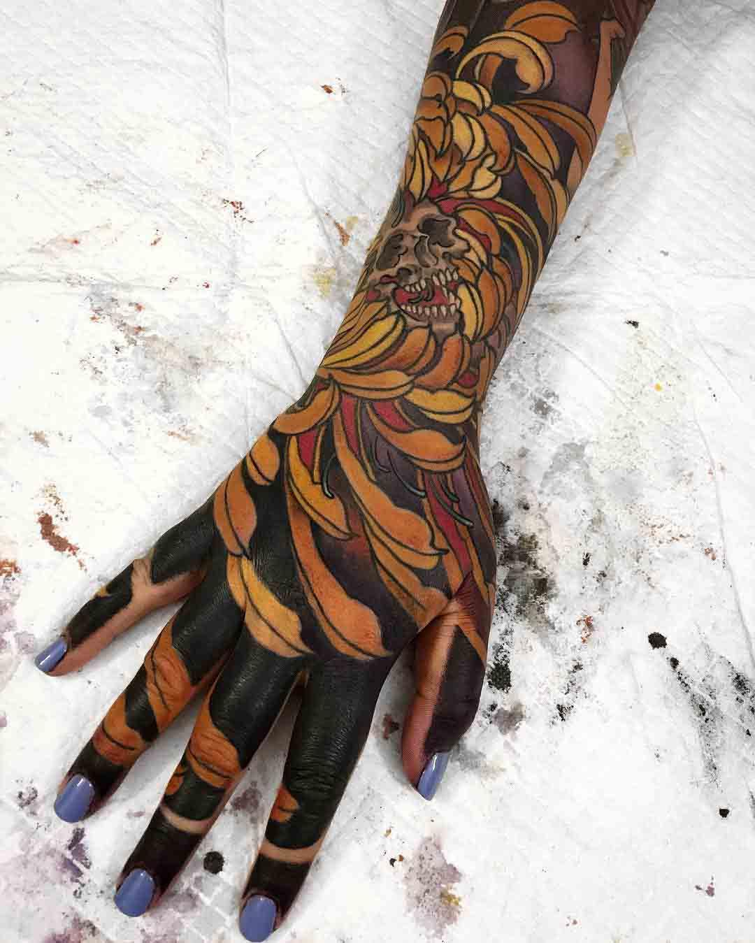 japanese tattoo sleeve till fingers
