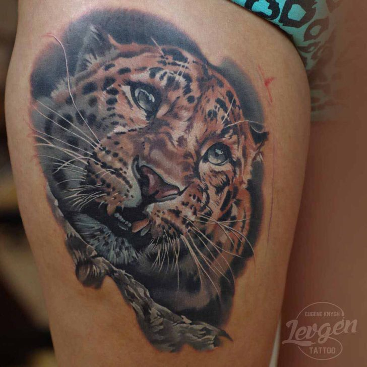 thigh tattoo leopard