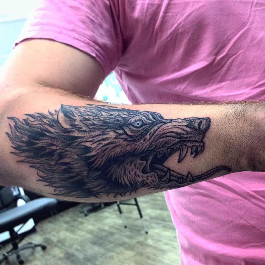 forearm wolf tattoo
