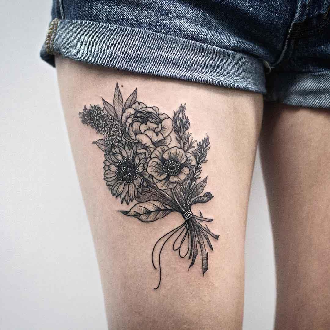 thight tattoo flowers