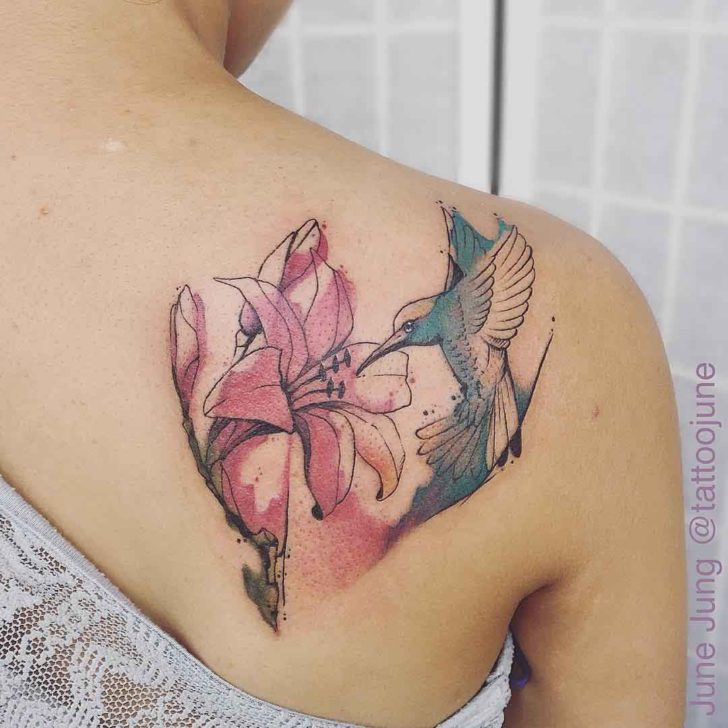 watercolour shoulder blade tattoo hummingbird