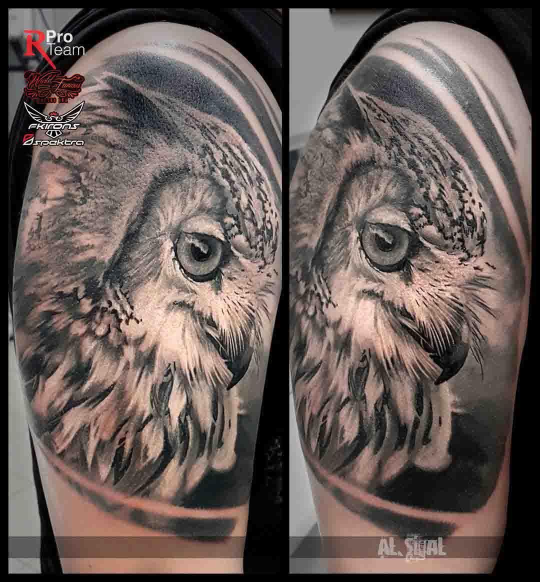 shoulder owl head tattoo