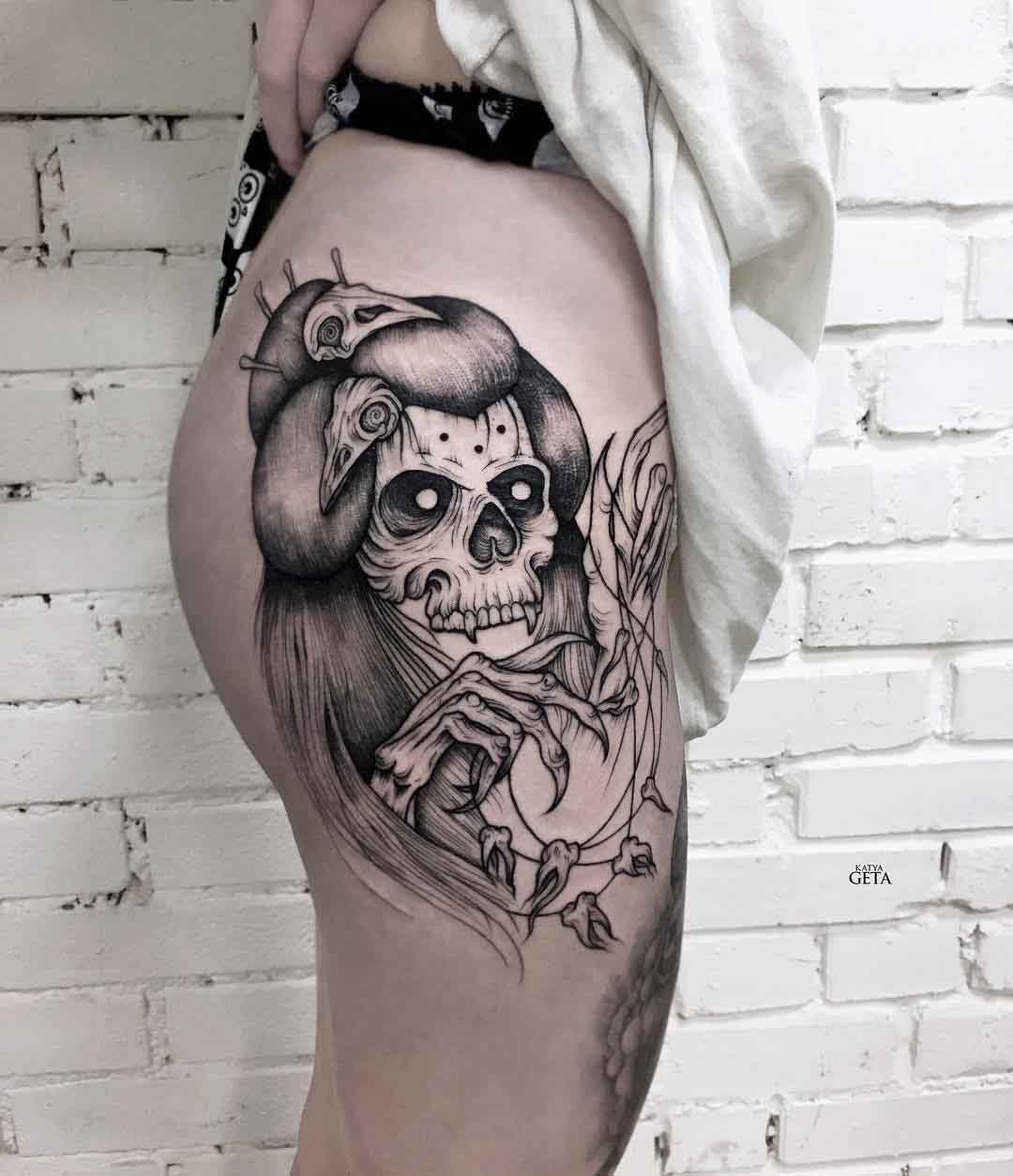 hip tattoo skull for girl