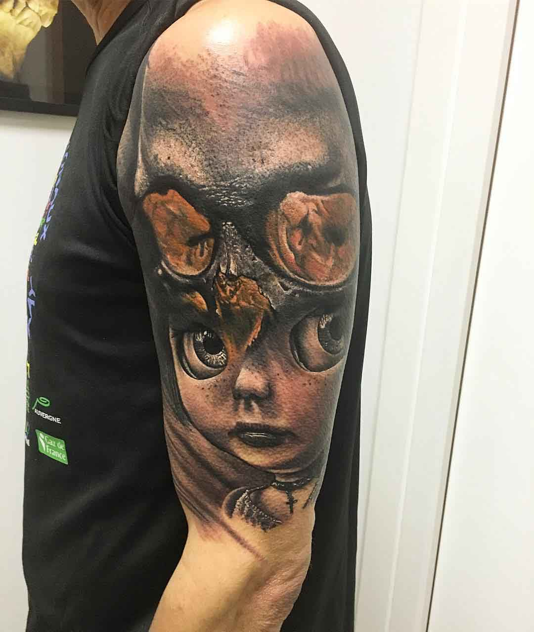 Realistic shoulder tattoo abstract