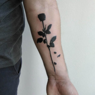 Black Rose Tatto Design
