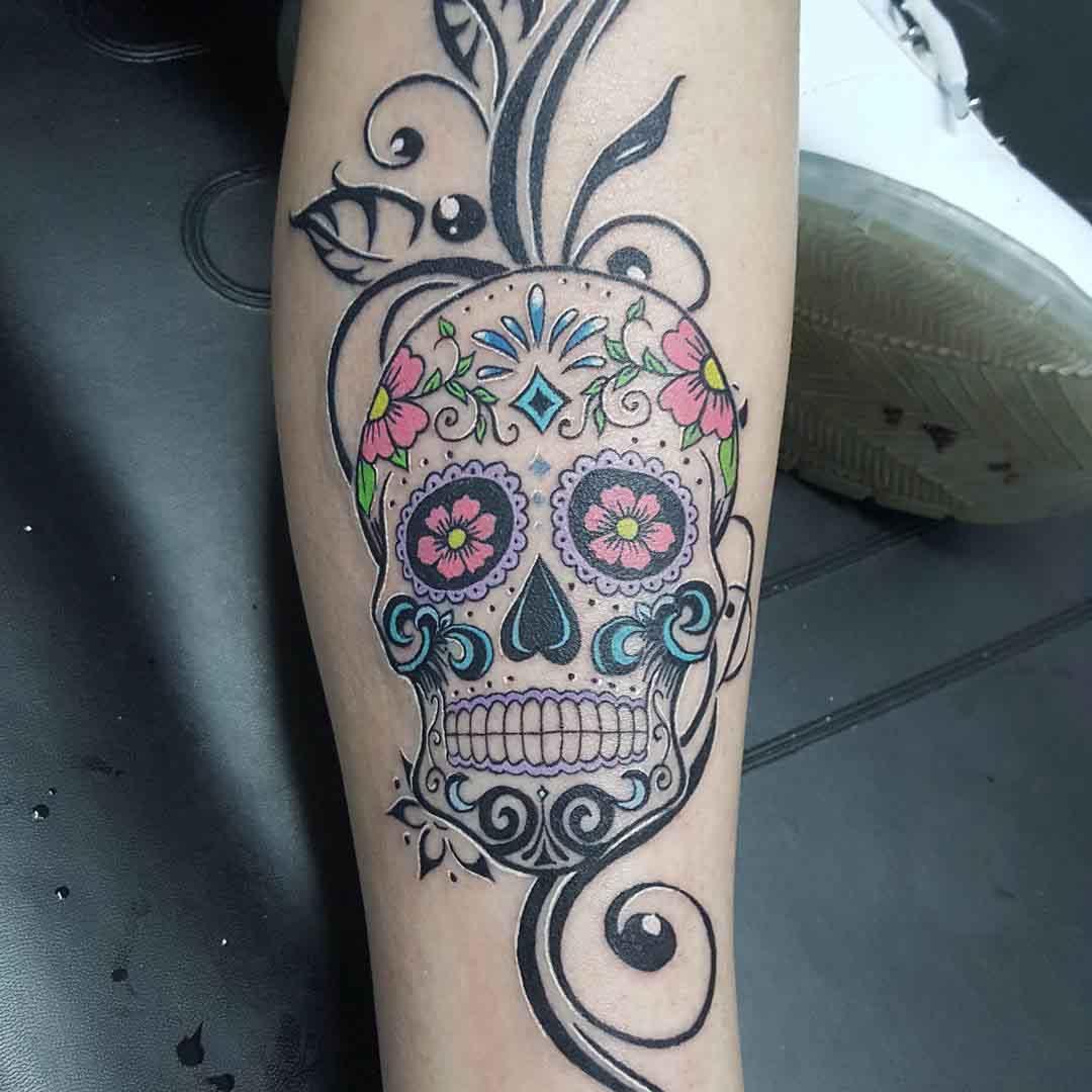sugarskull tattoo on shin