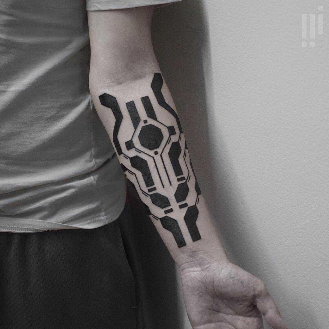 blackworck tattoo on arm geometrical
