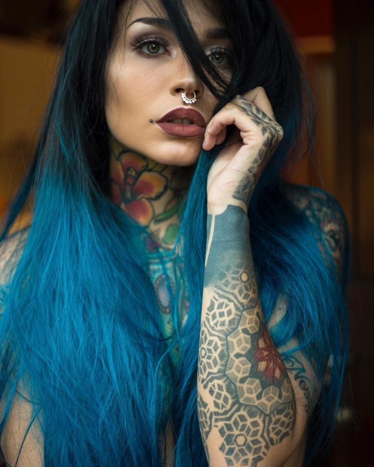 tattooed girl felisja piana
