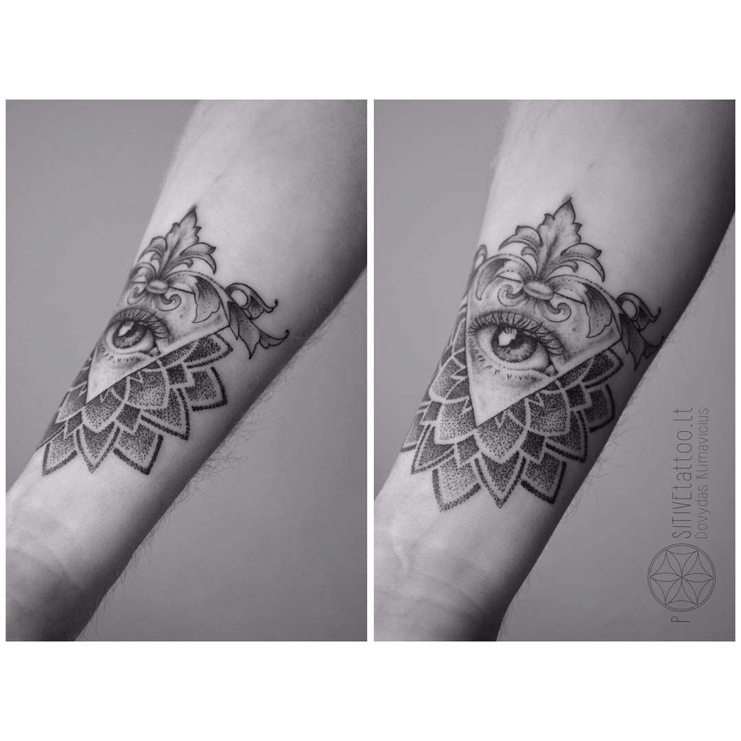 dotwork tattoo eye mandala