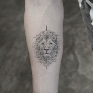 Tattoo Lion Head