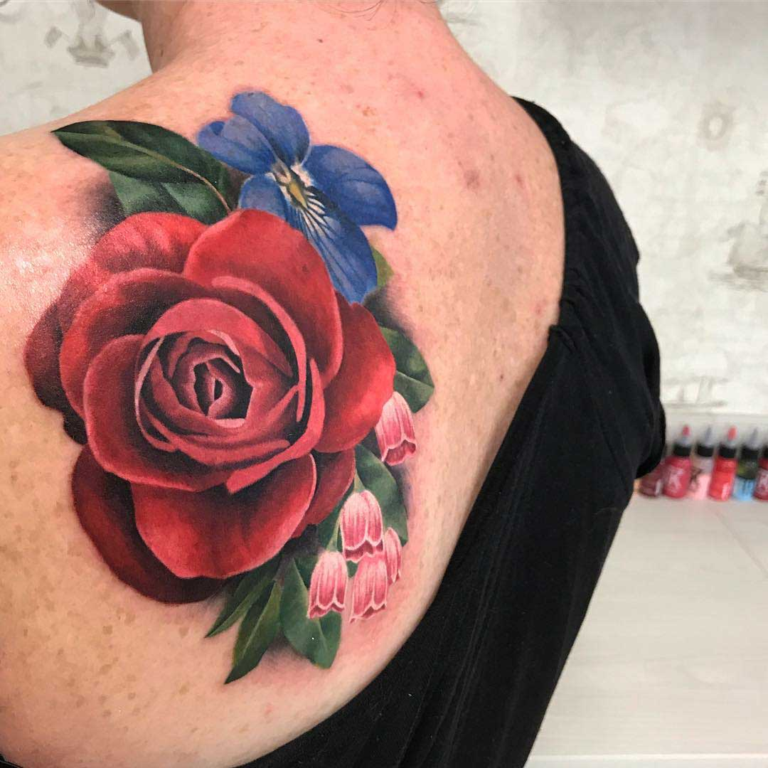 shoulder blade tattoo flowers and rose
