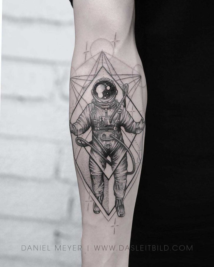 astronaut tattoo designs best tattoo ideas gallery. Black Bedroom Furniture Sets. Home Design Ideas