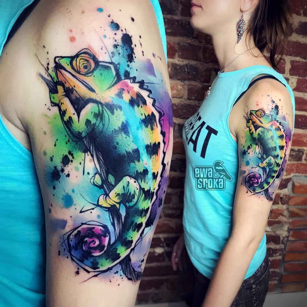 colrful chameleon tattoo on shoulder