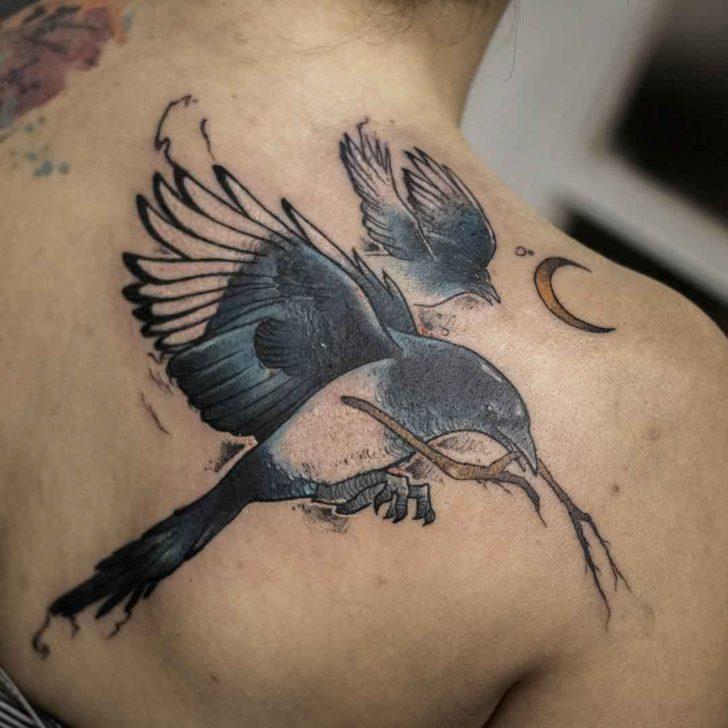 shoulder blade tattoo magpie
