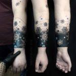 Snowflakes Armband Tattoo