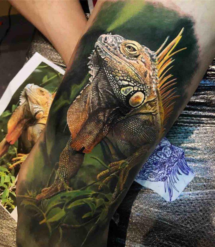 realistic iguana tattoo